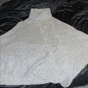 Roots knit poncho
